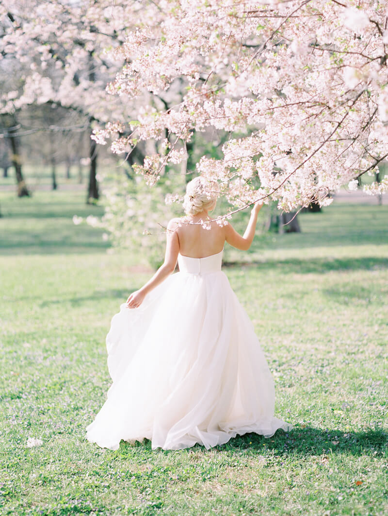 ethereal-blossom-bridal-portraits-fine-art-film-13.jpg