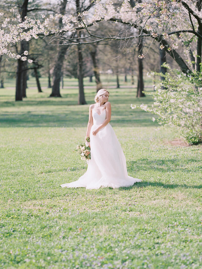 ethereal-blossom-bridal-portraits-fine-art-film-16.jpg