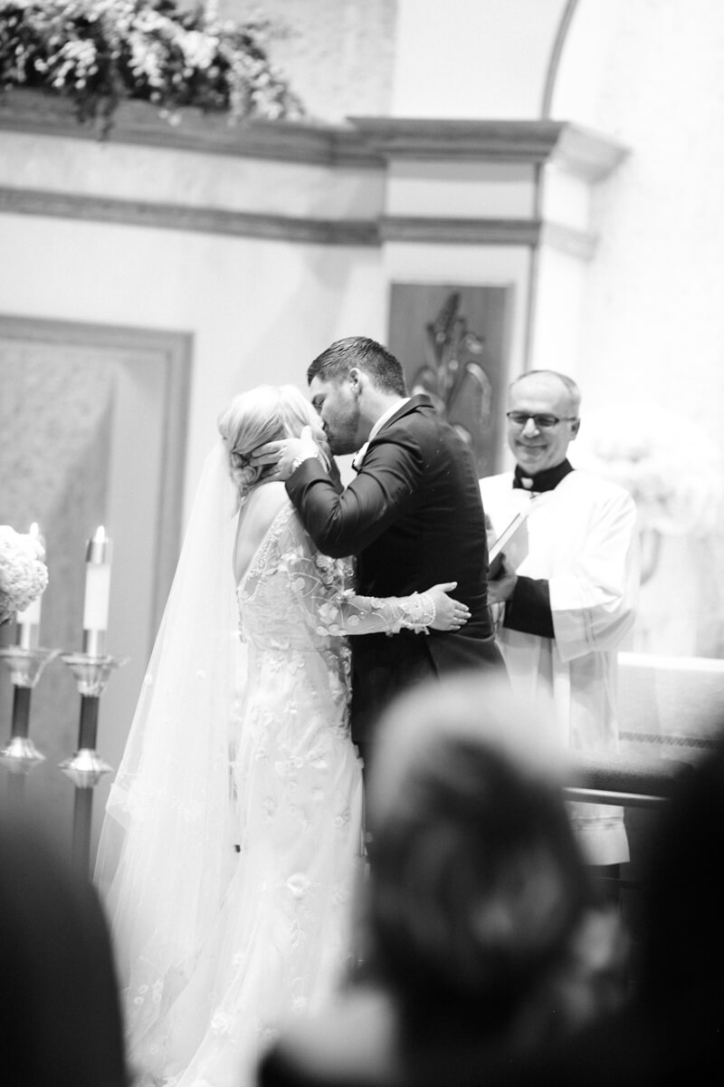 philbrook-museum-wedding-tulsa-oklahoma-14.jpg