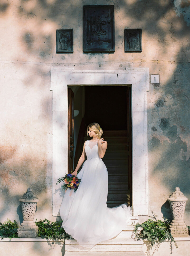 italy-styled-elopement-fine-art-wedding-4.jpg