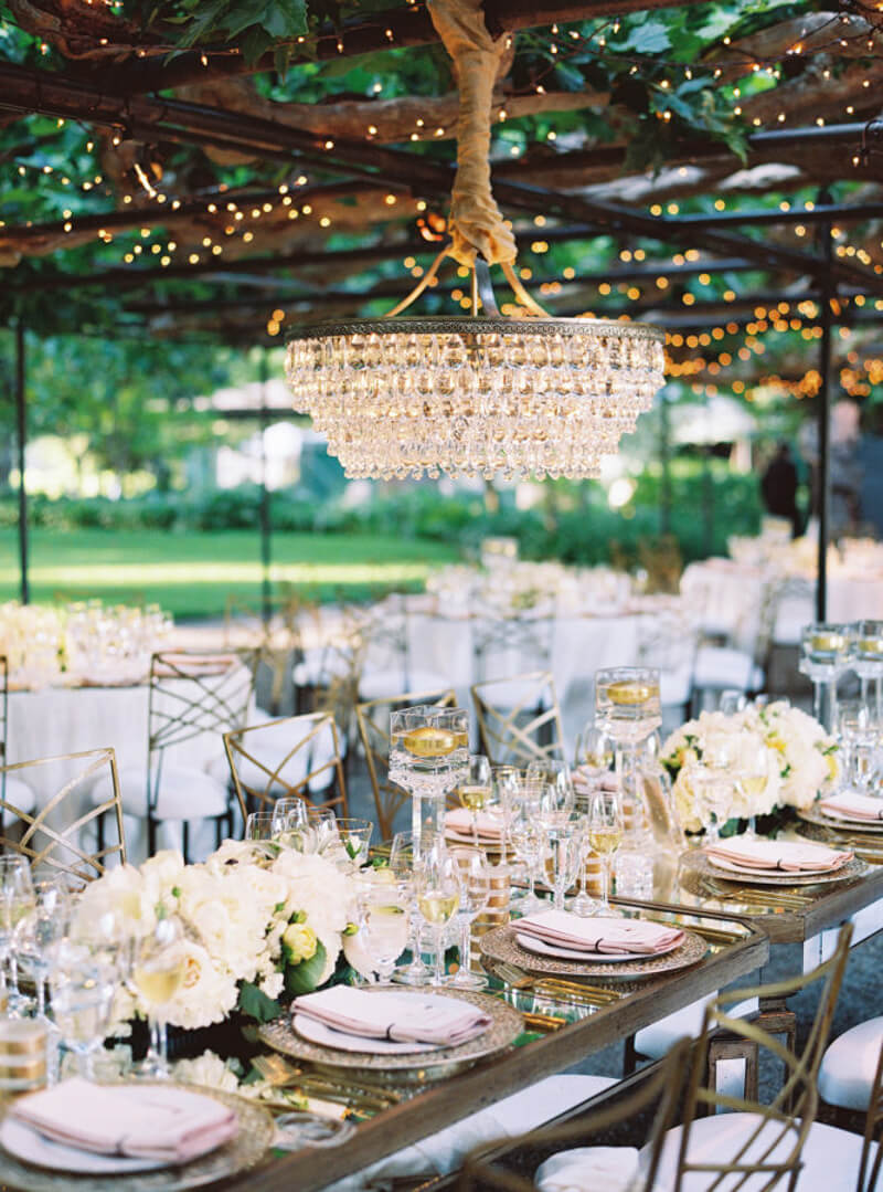 chandeliers-for-wedding-receptions-4.jpg