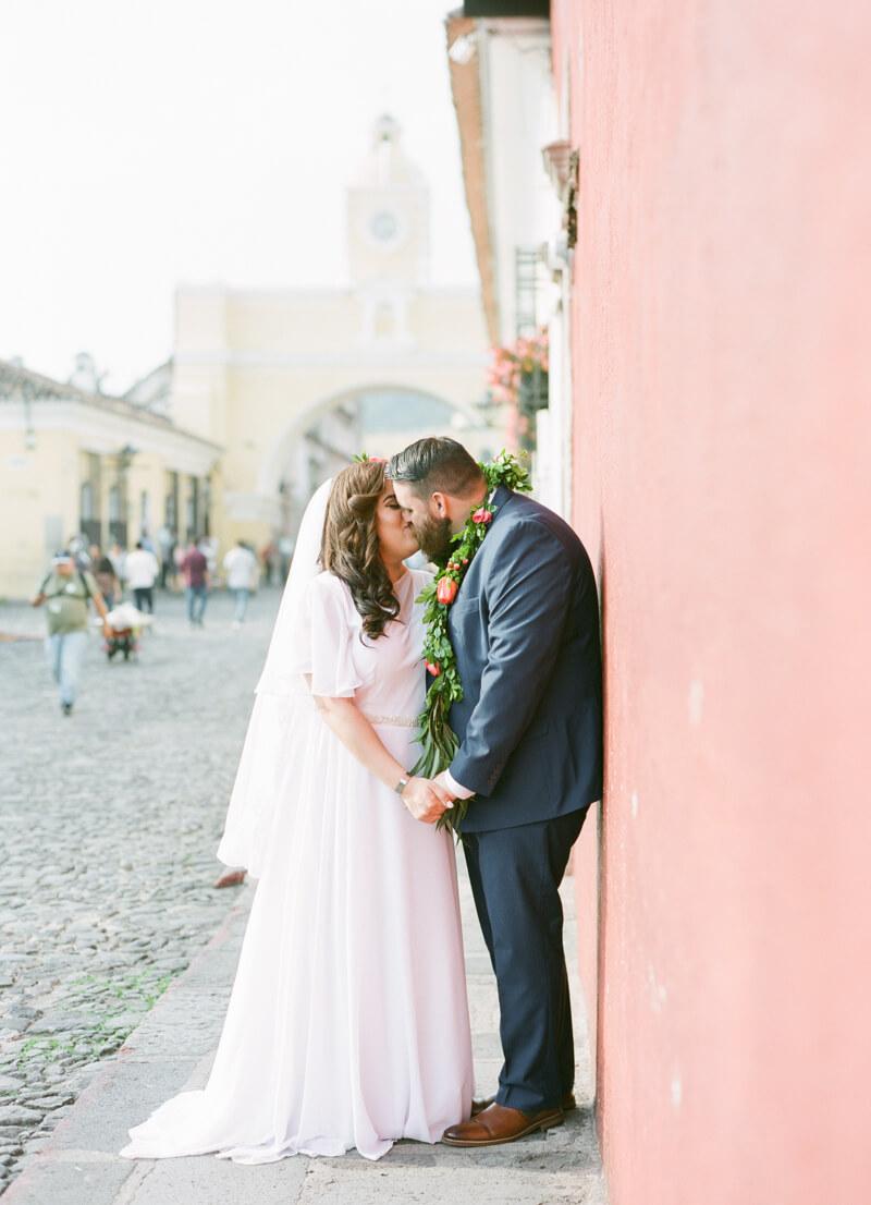 antigua-guatemala-wedding-fine-art-film-17.jpg