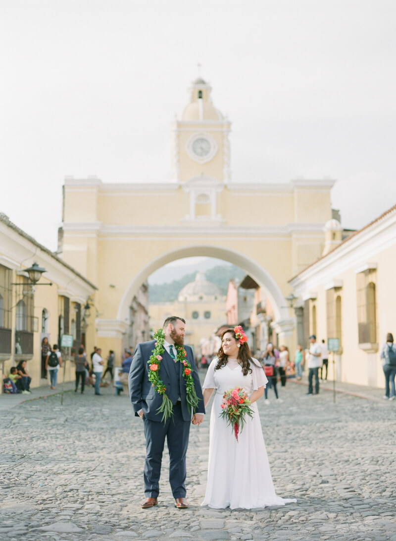 antigua-guatemala-wedding-fine-art-film-18.jpg