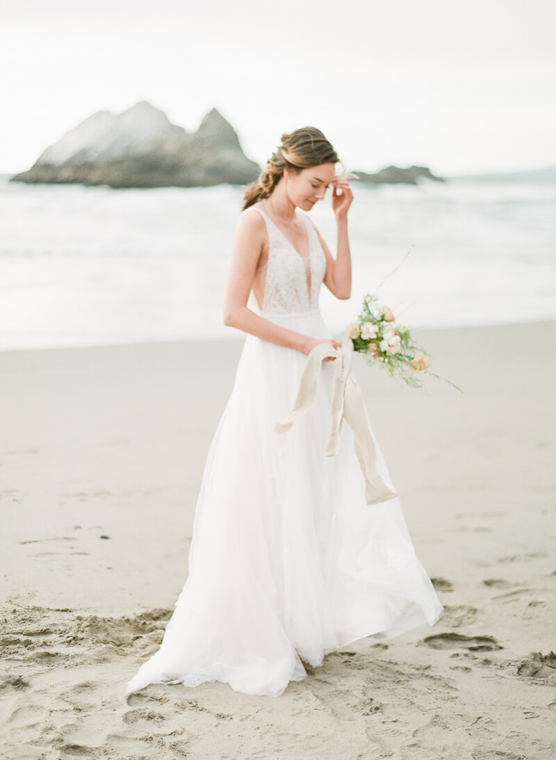 ocean-beach-wedding-inspo-19.jpg
