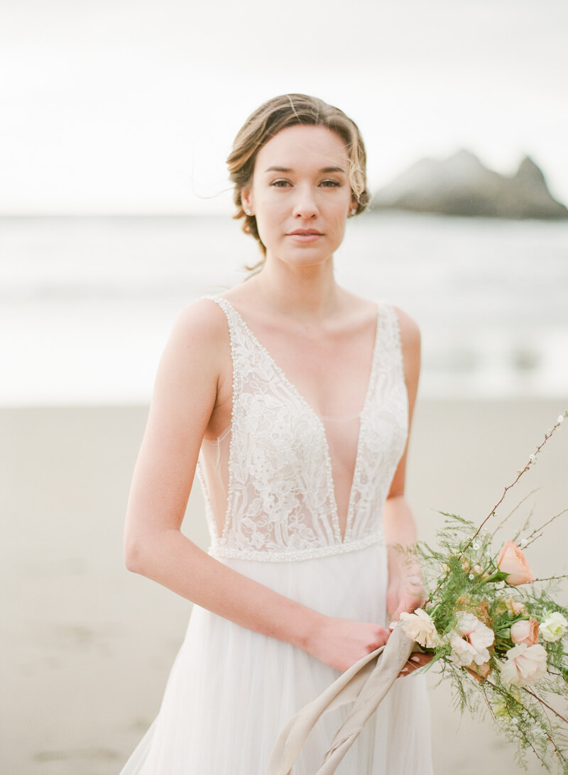 ocean-beach-wedding-inspo-18.jpg