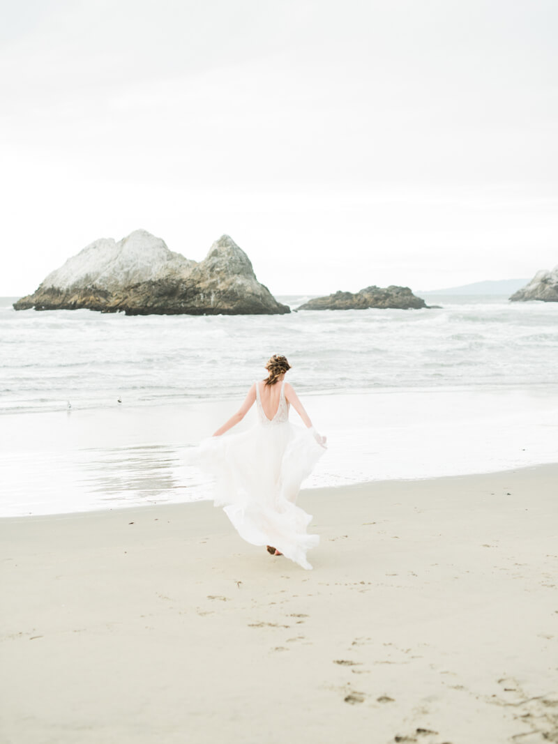 ocean-beach-wedding-inspo-3.jpg