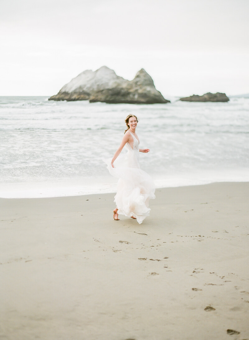 ocean-beach-wedding-inspo-14.jpg