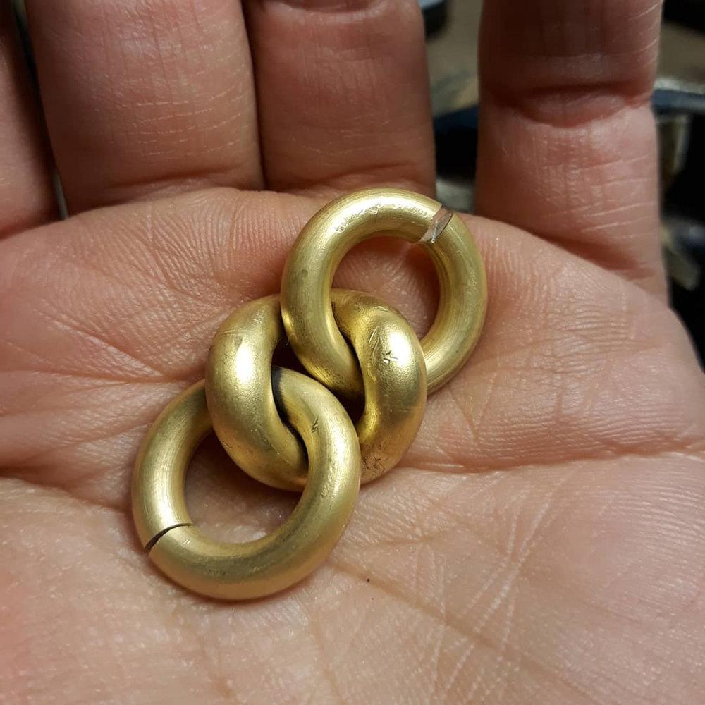 three links gold.jpg