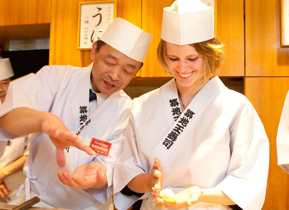 ....SUSHI MAKING EXPERIENCE..SUSHI MAKING EXPERIENCE..体验做寿司..SUSHI MAKING EXPERIENCE..體驗做壽司..PRÉPARATION DE SUSHIS....