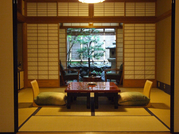 gion-hatanaka-ryokan-japan-private-tour-2.png