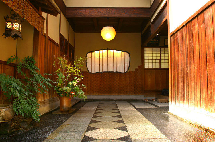 hiiragiya-ryokan-japan-private-tour.jpg