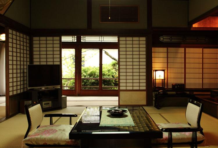 kotohira-kadan-ryokan-japan-private-tour-3.jpg