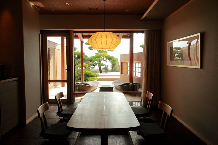 villa-rakuen-ryokan-japan-private-tour.jpg