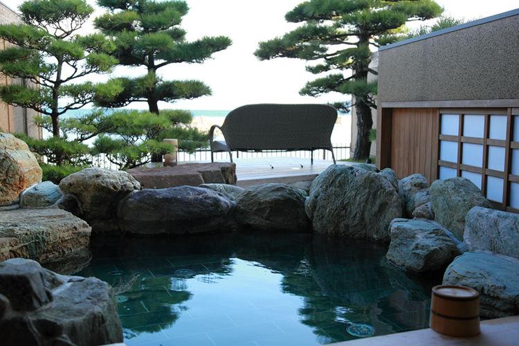 villa-rakuen-ryokan-japan-private-tour-3.jpg