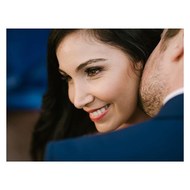 Smile! . . . #capetown #capetownwedding #capetownweddingphotographer #destinationwedding #destinationweddingphotographer #seanshannonweddings #weddingphotographer #lookslikefilm #firstsandlasts #saweddings #theprettyblog #realwedding #happilyeverafter #love #hoorayweddings #junebugweddings #marthaweddings #weddingconcepts