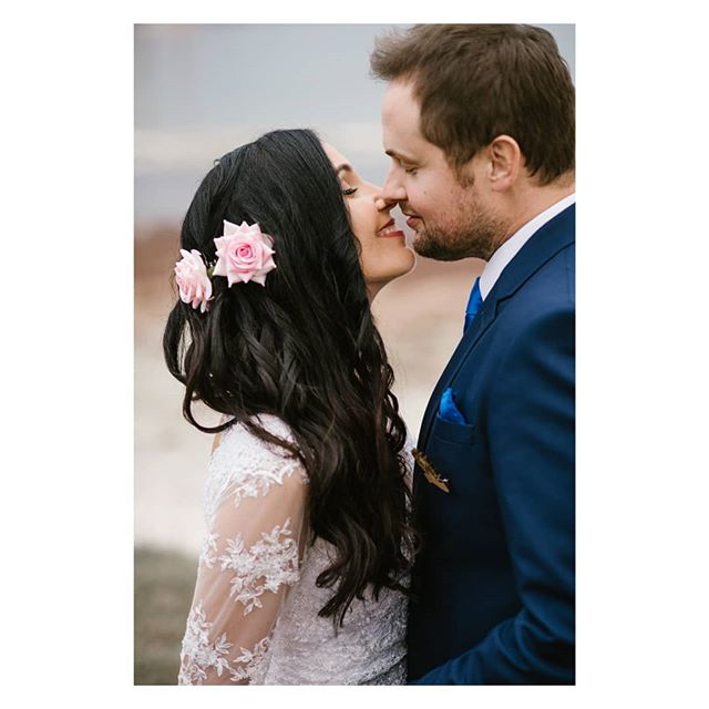 Kiss! . . . #capetown #capetownwedding #capetownweddingphotographer #destinationwedding #destinationweddingphotographer #seanshannonweddings #weddingphotographer #lookslikefilm #firstsandlasts #saweddings #theprettyblog #realwedding #happilyeverafter #love #hoorayweddings #junebugweddings #marthaweddings #weddingconcepts