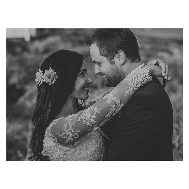 Love! . . . #capetown #capetownwedding #capetownweddingphotographer #destinationwedding #destinationweddingphotographer #seanshannonweddings #weddingphotographer #lookslikefilm #firstsandlasts #saweddings #theprettyblog #realwedding #happilyeverafter #love #hoorayweddings #junebugweddings #marthaweddings #weddingconcepts