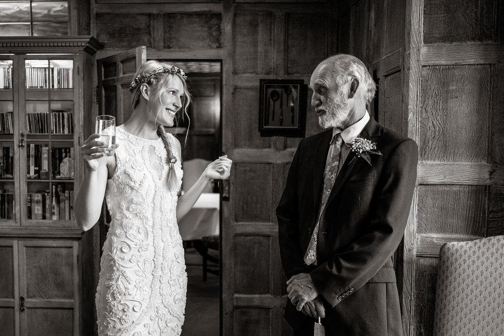 Natural wedding photography portfolio 027.jpg