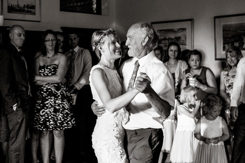 Natural wedding photography portfolio 030.jpg