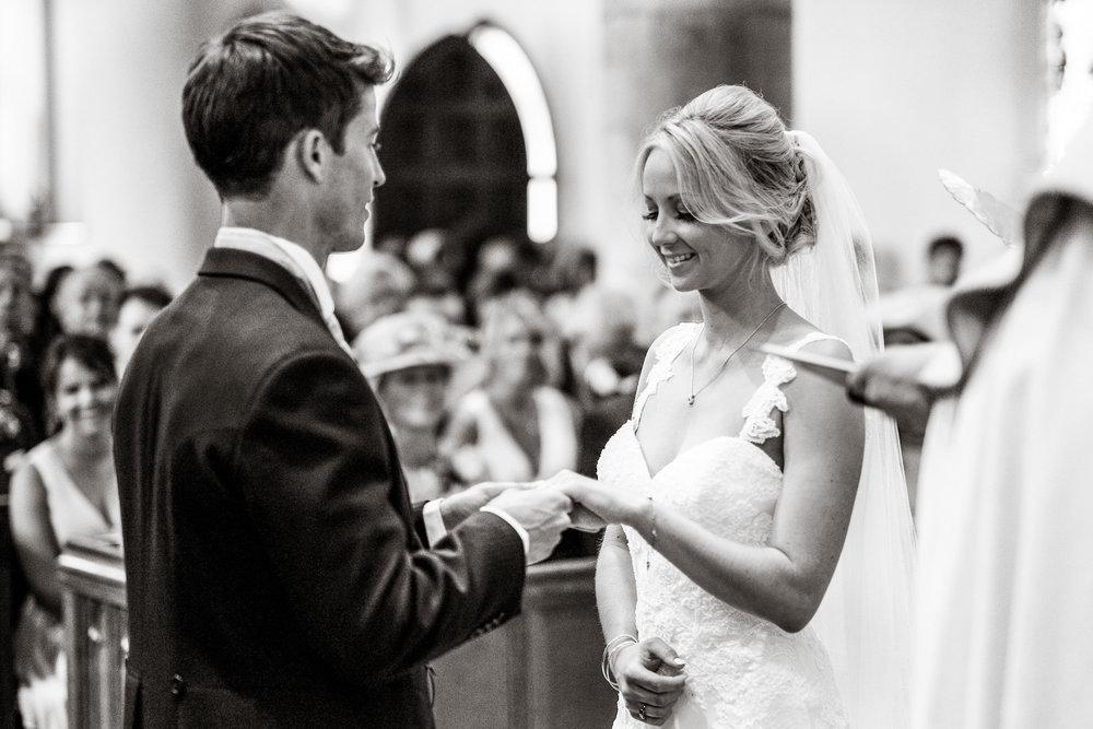 Natural wedding photography portfolio 044.jpg