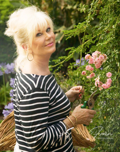 di-morrisey-outdoor-flower.jpg