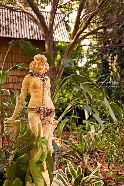 di-morrisey-statue.jpg