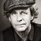- Terje Nordby — forteljarer kjend som dramatikar, forfattar og mytolog. Hans store interesse for mytar har resultert i ei lang rekkje radiosendingar av programmet