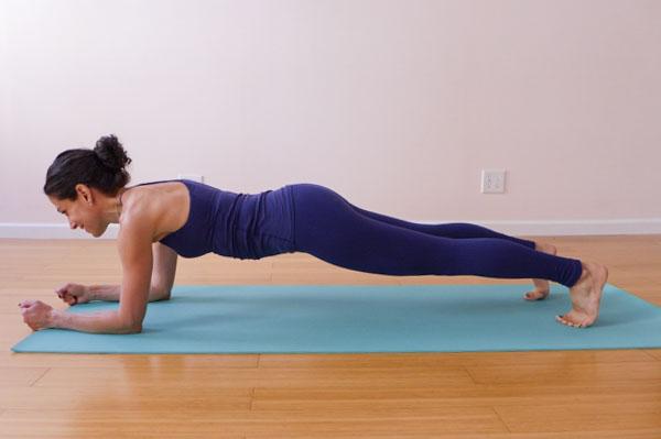 TRS steph forearm plank.jpg