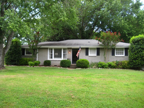 (So I found a picture of the first house Kyle and I ever bought on Zillow. We were 24, broke, and about to have a baby. Bless.)