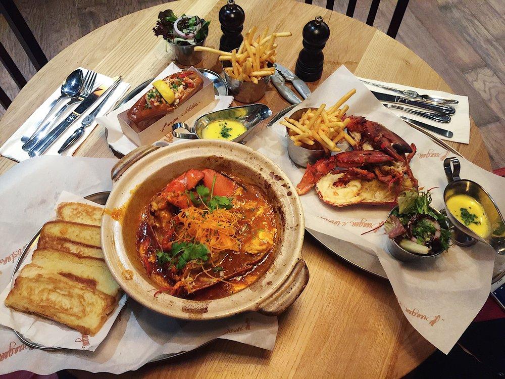 The original brioche roll (RM138/RM153), steamed lobster (RM138/RM153) & chilli lobster with brioche (RM158/RM173).