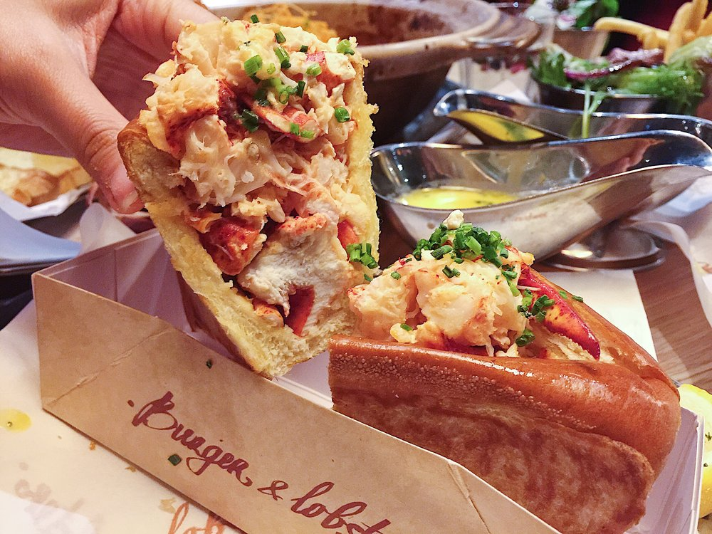 Just look at that big chunks of juicy lobster meat sandwich in the perfectly buttered and grilled brioche