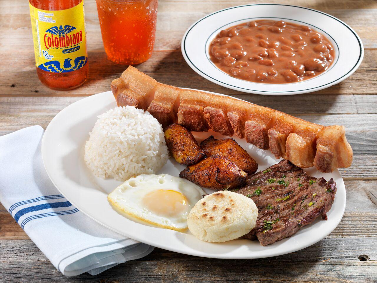 La Pequeña Colombia Bakery Restaurant