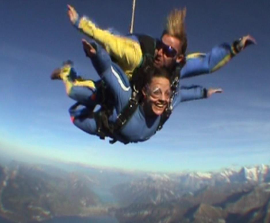 Mel Skydiving