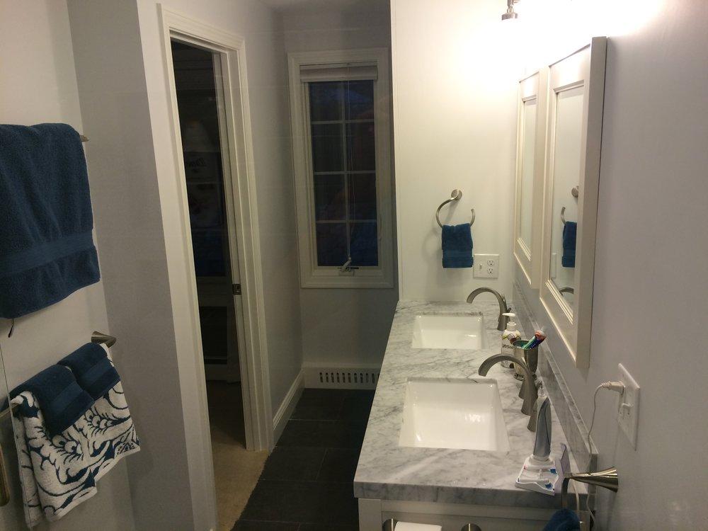 90 grove st bathroom 1.JPG