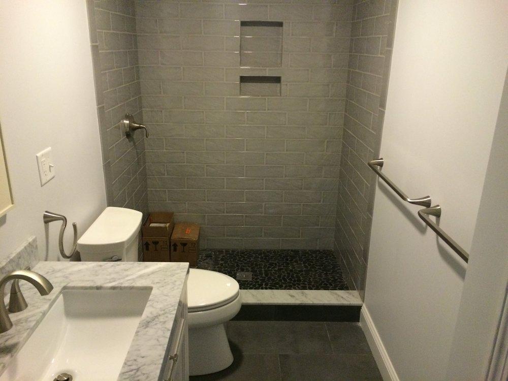 90 grove st bathroom.JPG