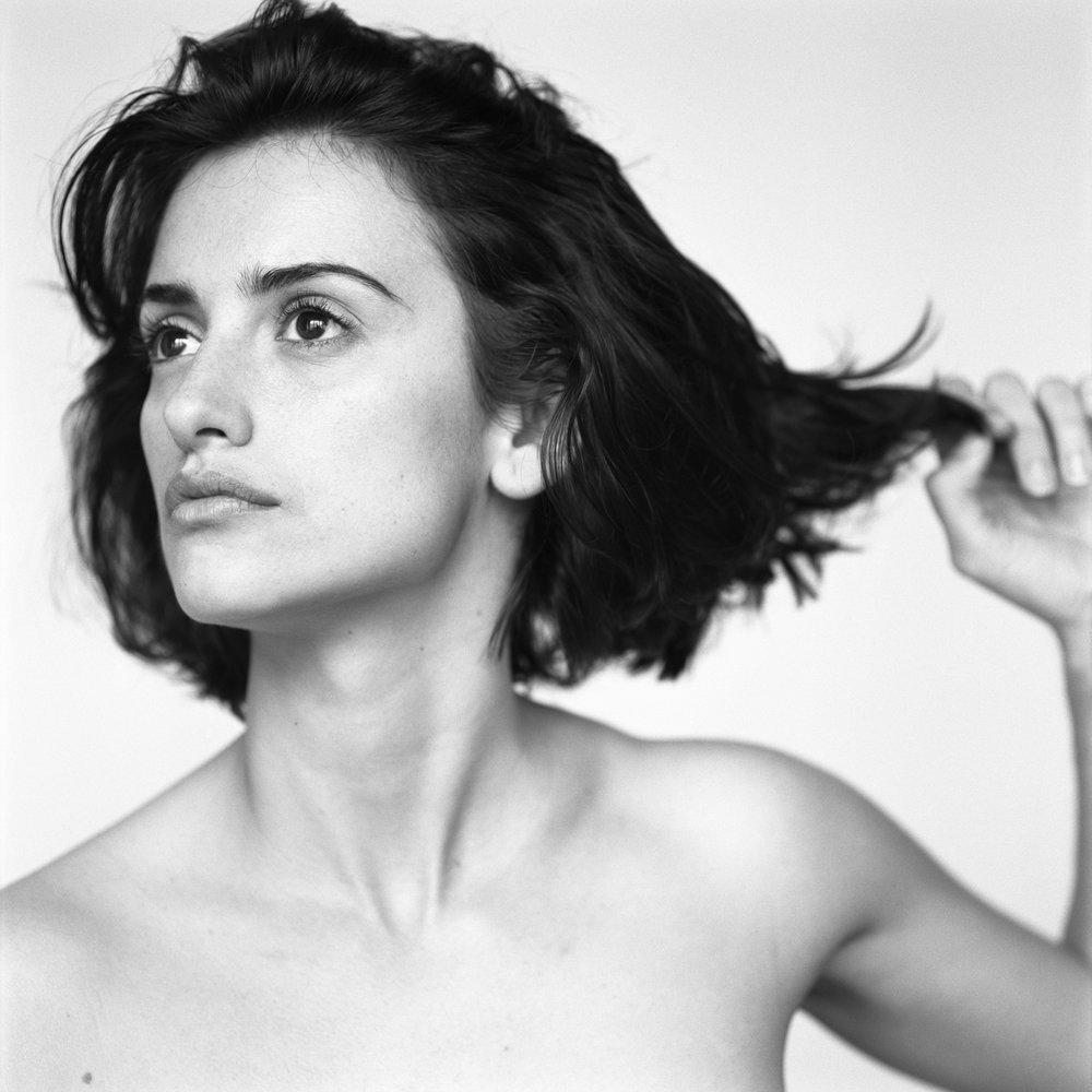 Penelope Cruz, Paris, France, 2002