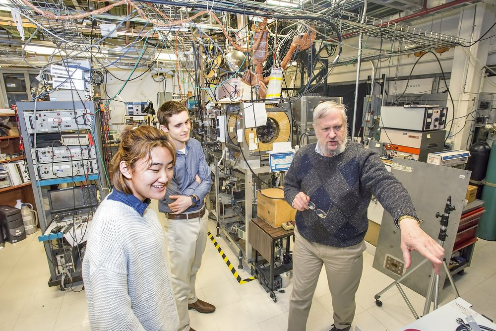 The Princeton Rotamak, has set a world-record for the longest stable FRC ever created. The project has had an annual budget of a few hundred thousand, and a small staff for 10+ years. In April 2018, the  Chinese energy company ENN  took an interest. They have since invested several millions and hired a staff of 15, in an effort to duplicate this work, in China. Meanwhile the US keeps ignoring innovations like this.