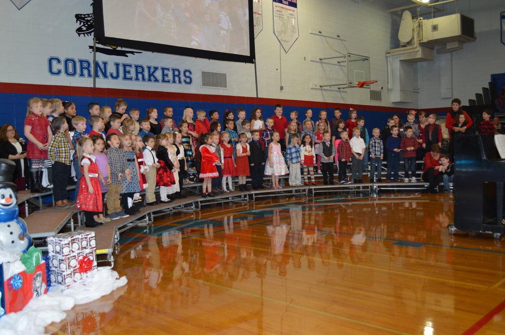 Maple Christmas CP 032 Kindergarten Full Group ok.JPG