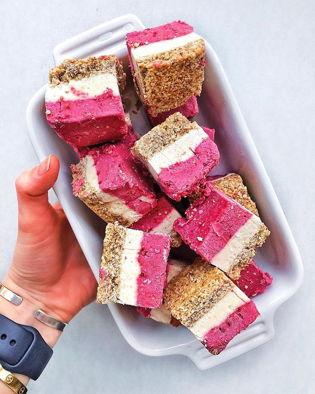 Raspberry Lime Vegan Squares || I am SO EXCITED about these gorgeous bars! They turned out so well and are totally vegan, gluten free and refined-sugar free!  Plus, they're absolutely delicious and full of healthy fats and protein! Recipe linked in my bio ❤️ ||@bobsredmill oats and almond flour crust, @driscollsberry raspberries! . . . . #thehealthmason #baltimoreblogger #healthyfoodblogger #wellnesslifestyleblogger #veganeats #veganrecipe #glutenfree #glutenfreedessert #vegandessert #glutenfreerecipe #vegancheesecakebars #thebachelor #bachelornation
