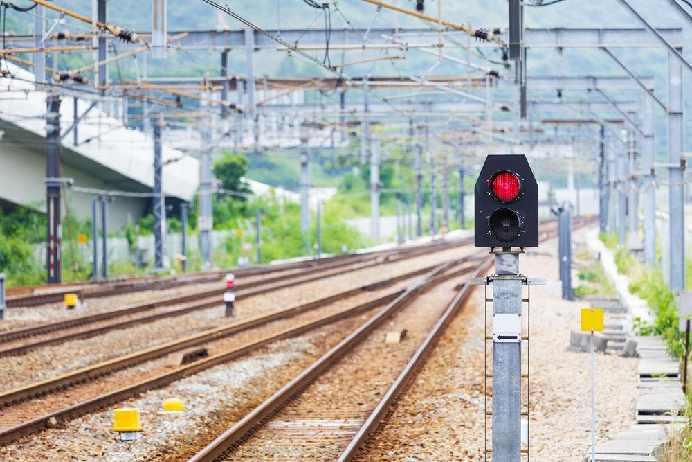 photodune-5644385-train-railway-signal-light-l.jpg