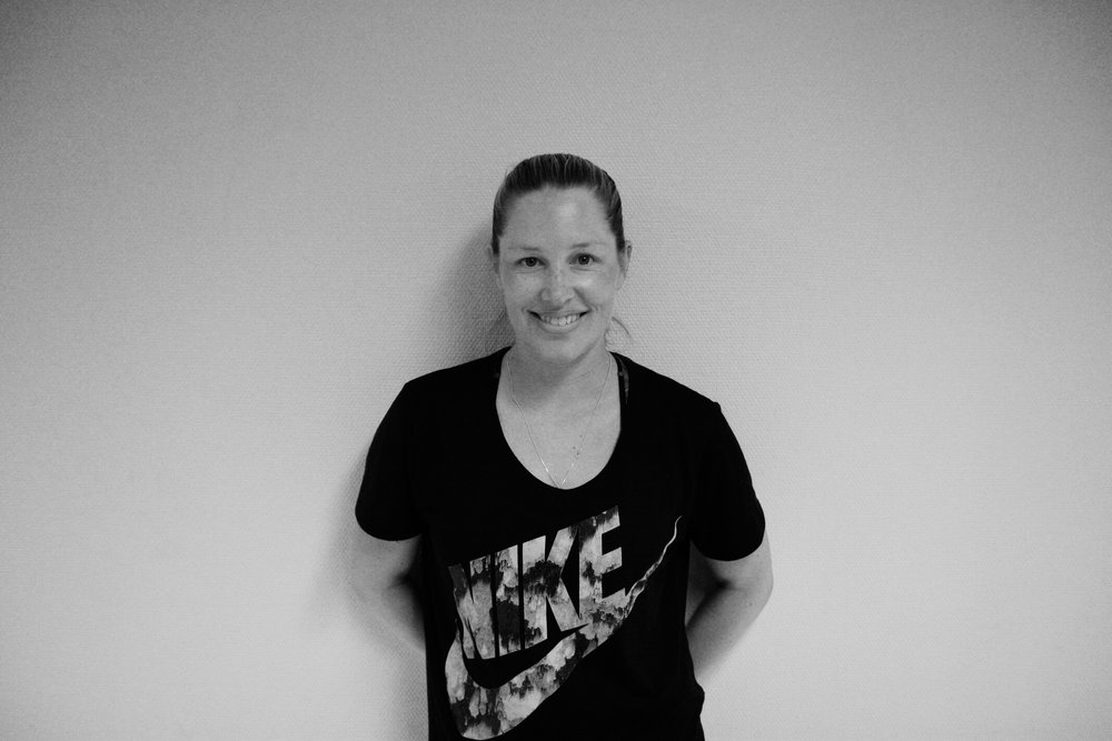 Malin Eriksson - Mammapole   Driver Karlstadpoledancing administrativt samt undervisar mammapole