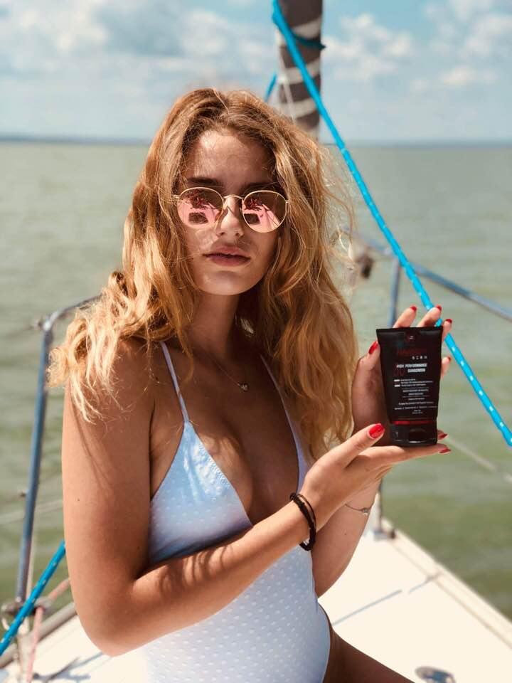 Nori Harken Derm Balaton Sexy.jpg