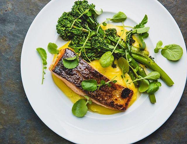 My choice for tonight's dinner : Crispy skin organic Faroe Islands Salmon. Served with fresh corn polenta & broccolini 😘 ...... .... ... .. . #bustan #nycrestaurants #foodie #bustannyc #organic #freshfood #foodporn #faroeislands #salmon #polenta #freshcorn #broccolini #watercress #foodie #foodheaven #foodgasm