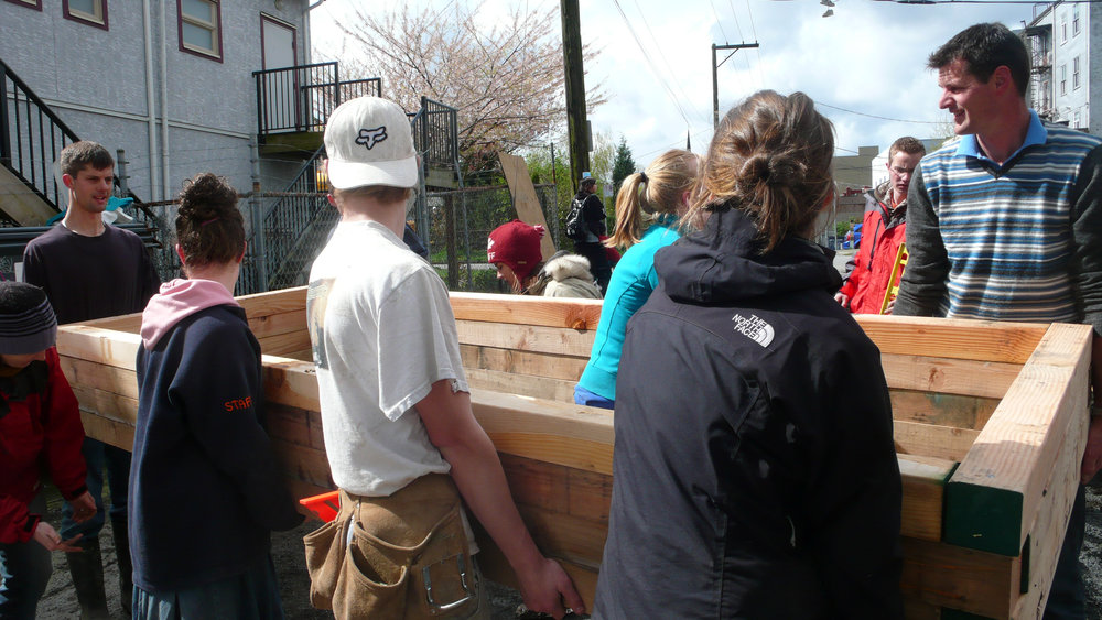 PiP 2010 Attira Rice Block Community Garden Build04.jpg