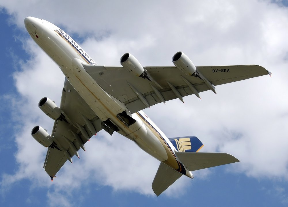 plane-544851_1920.jpg