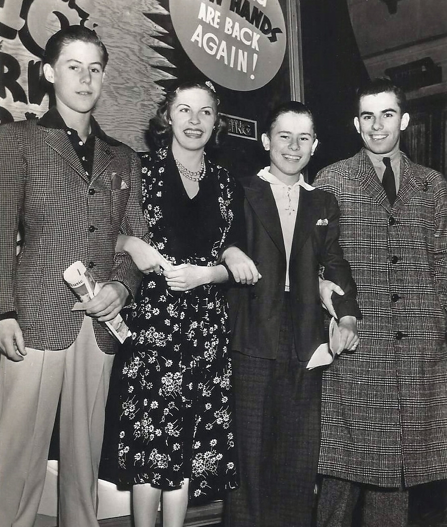 From left to right: Mont Jr., Martha Raye, Frank, and Bud.