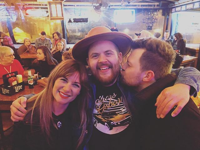 Last night was such a blast AND we got to reunite with our dear friend @braddparker SO MANY WINS🙏🏽❤️🎶🍻