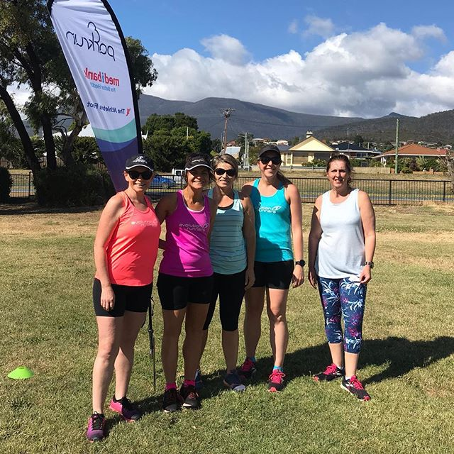 Parkrun tourists at Montrose Foreshore @parkrunau in Hobart for these Evolution Runners legends and a little warm up for Cadbury HM tomorrow.