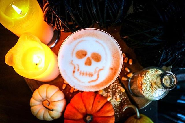 Finally feeling the Halloween spirit with Baptiste & Bottle's spooky Ghost of Kitihawa 💀cocktail! Cue the #MonsterMash🧟‍♂️ (📸 @supervicky55)