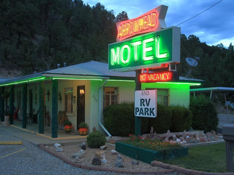 Arrowhead Motel & RV Park